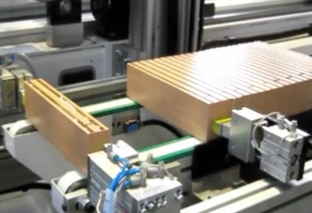 Зона подачи стоевых для ваймы с автоматической загрузкой SFA 90, производство Fiorenza (Италия)