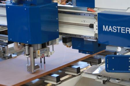 Многошпиндельный сверлильный узел пильного центра с ЧПУ с MASTER.CUT, производство Bacci Италия