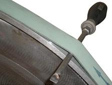 Системы быстрой смены резинового покрытия пильного центра с ЧПУ MASTER.CUT, производство Bacci Италия
