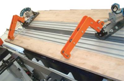 Система крепления ленточнопильного станка с ЧПУ DUPLEX CNC, производство Bacci Италия
