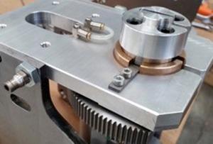Система очистки направляющих и лезвия пильного станка с MASTER.CUT, производство Bacci Италия