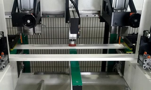 Центральный верхний пневматический прижим станка Modular CN, производство Fiorenza (Италия)