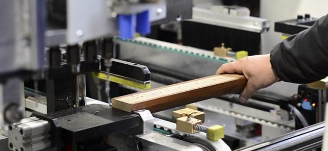 Задняя станция ручной загрузки для нестандартных деталей станка Modular CN, производство Fiorenza (Италия)