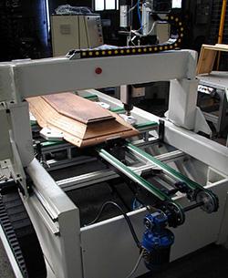Станина, портал и траверса центра с ЧПУ для сверления крышек гробов модель «FOCE», производство Fiorenza (Италия)