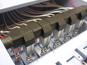Группа прижимных сегментированных башмаков перед нижним валом 2-стороннего рейсмуса серии Universal, производство Bottene (Италия)